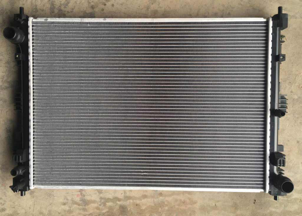 Радиатор охлаждения двигателя KIA для KIA Sorento Prime (2015 - 2018) дефлектор капота sim для kia sorento iii prime 2015