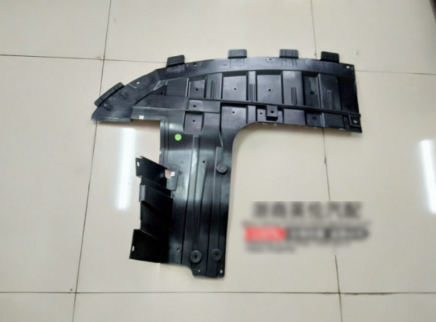 Фото - Защита двигателя из 2-х частей CHN для Geely Coolray (SX11) Кулрэй 10 из 2 х частей белый