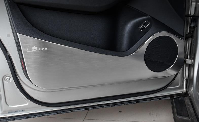 Защитные накладки на внутреннюю поверхности двери для AUDI Q5 2016 -