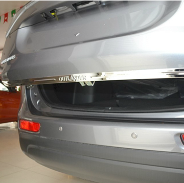 накладки на бампера обвес outlander imports для mitsubishi outlander 3 2011 2018 Накладка на кромку багажной двери для Mitsubishi Outlander 3 (2011 - 2018)