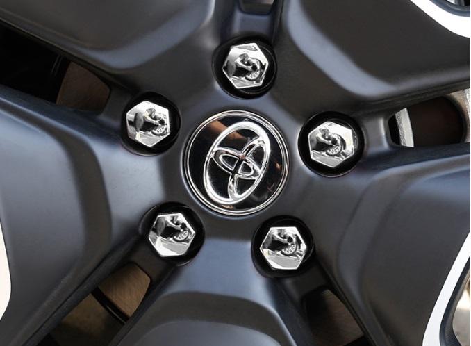 Колпаки серебряные Toyota RAV4 2019-