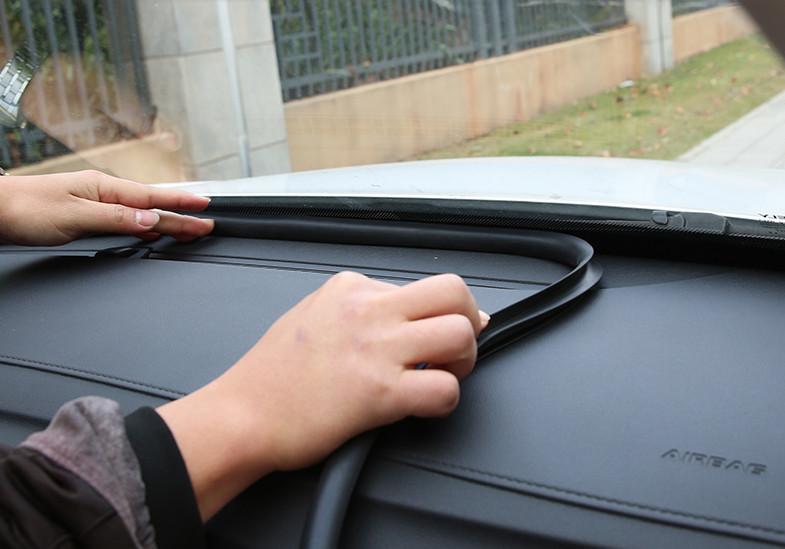 Уплотнитель (резиновый) на лобовое стекло для Geely Atlas 2018 - топливопровод chn для geely atlas 2018
