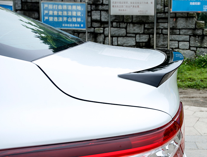 Спойлер крышки багажника SLIM для Toyota Camry