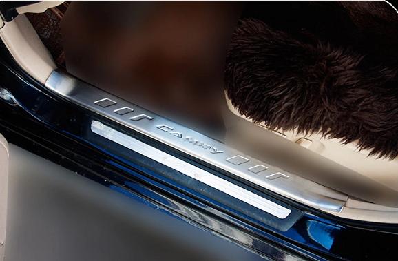 Накладки на внутренние пороги для Toyota Camry 2014 - накладки на внутренние пороги для toyota camry 2014