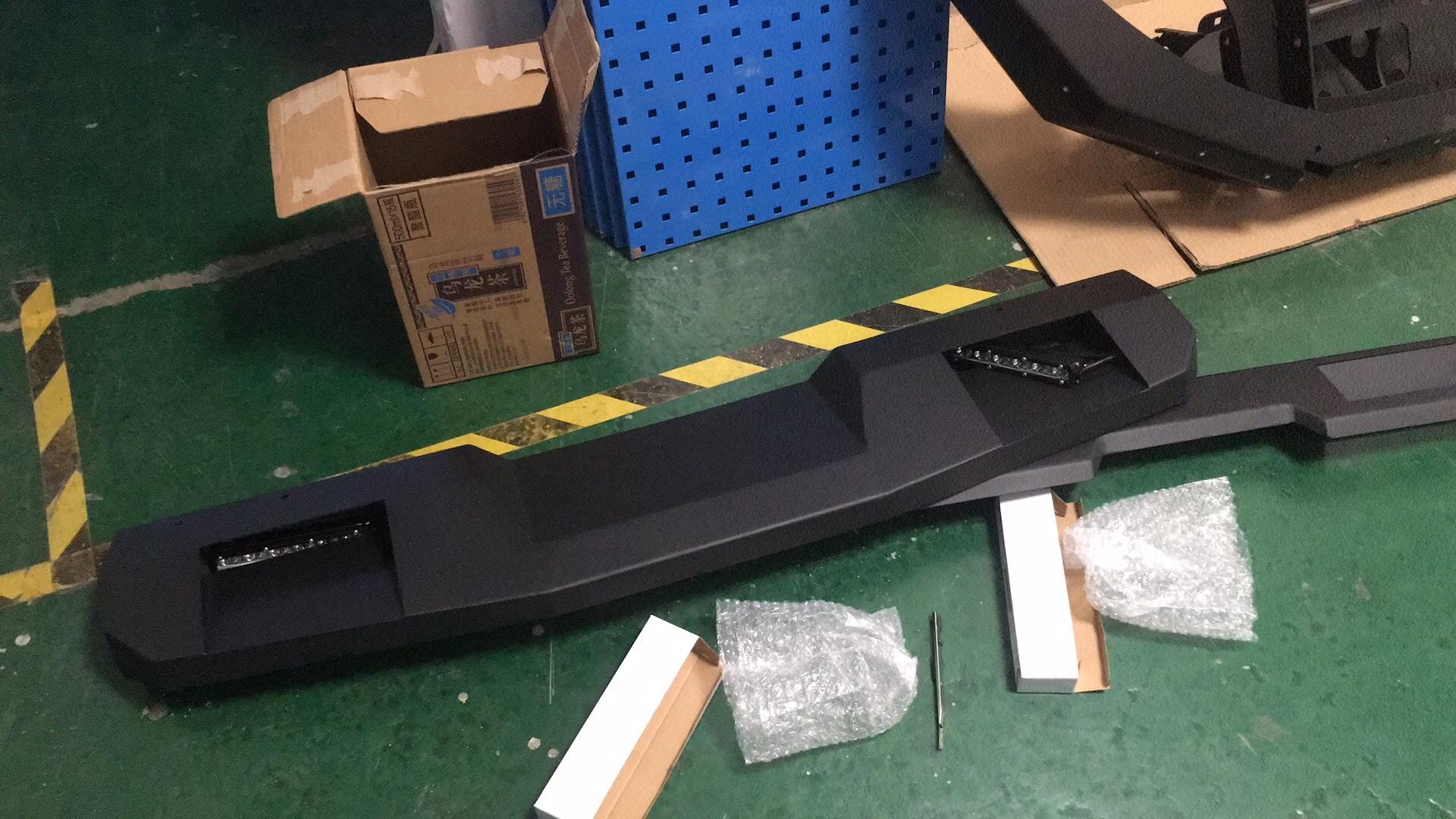 Спойлер передний на крышу для Suzuki Jimny NEW 2019 - комплект противотуманных светодиодных фар в передний бампер osram led nsw osr для suzuki jimny new 2019