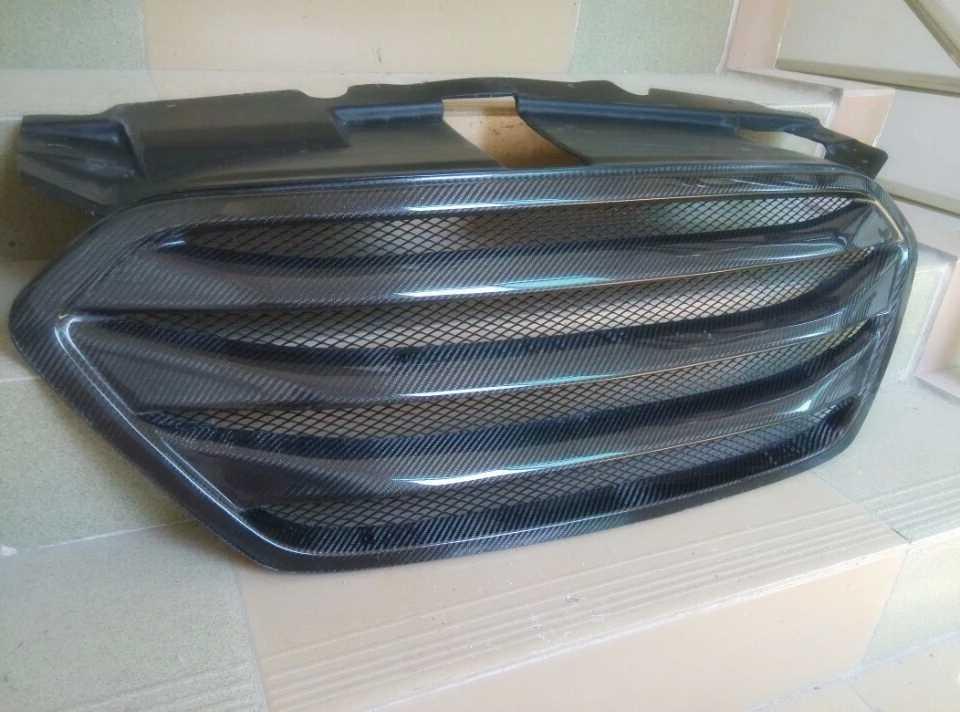 Решетка радиатора CARBON для Hyundai ix35 (2010 - 2015)