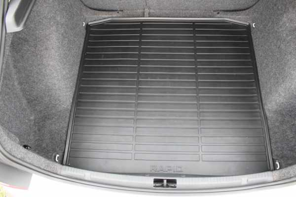 Коврик в багажник (резиновый) 5JA061190 для Skoda Rapid 2020 -