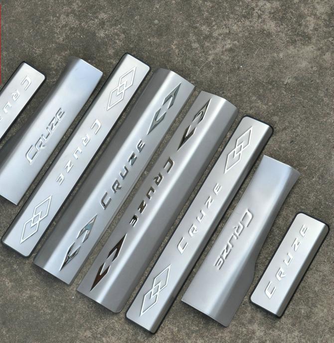 Накладки на пороги с надписью Cruze для Chevrolet