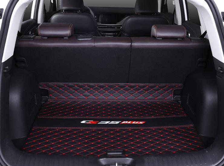 Фото - Коврик для багажника (черный с красным) 1 элемент для Changan CS35 Plus 2019- коврик для багажника черный с красным 2 элемента для changan cs35 plus 2019
