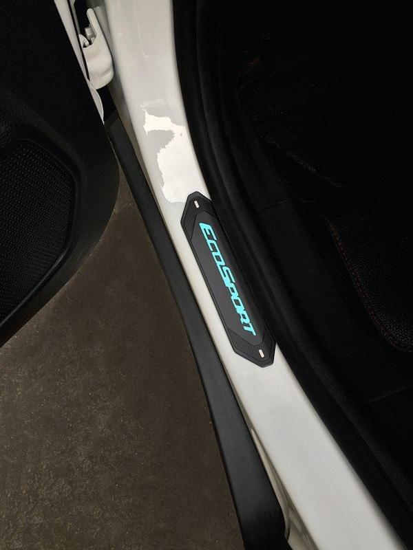 накладки на пороги с подсветкой lux Накладки на пороги с подсветкой LUX для ECOSPORT