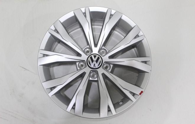Диск колесный VAG Montana 7xR17 5x112 ET40 ЦО57 серебристый 5NA6010258Z8 диск колесный vag mayfield 7xr17 5x112 et45 цо57 темно серебристый 2ga601025nfzz