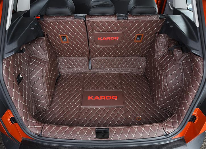 Коврики в багажник кожаные Skoda Karoq 2020 (Шкода Карок) защита на 2 й ряд цвет черный коричневый надпись karoq chn skoda karoq 2020 шкода карок