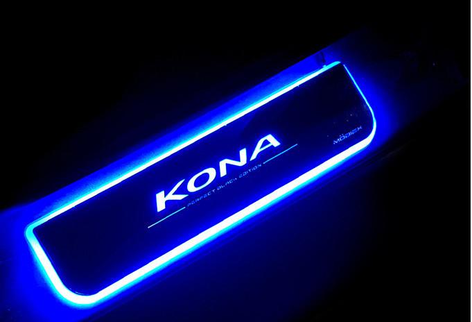 Накладки светодиодные на дверные пороги (надпись Kona) CHN для Hyundai Kona 2018 -