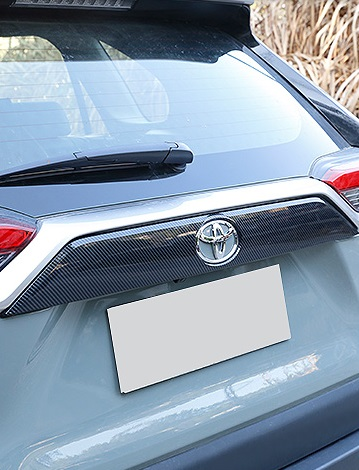 Накладка стандартная на дверь багажника Toyota RAV4 2019-