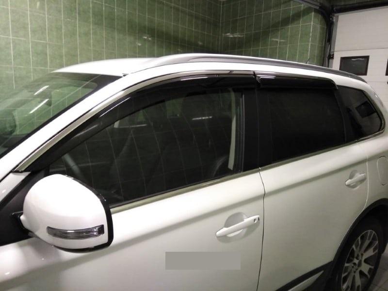 Дефлекторы боковых окон с нерж. молдингом, OEM Style OEM-Tuning BFDYH1323 для Ford Kuga 2017-