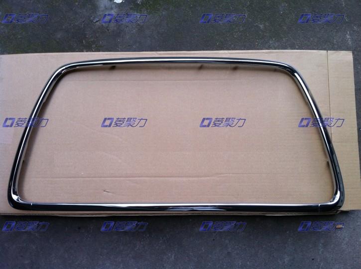 Хромированная окантовка радиаторной решетки для Mitsubishi Lancer 2007 -