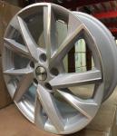 Диск колесный Carwel Тоджа 1714 7xR17 5x114.3 ET45 ЦО66.1 серебристый с полированной лицевой частью 97834