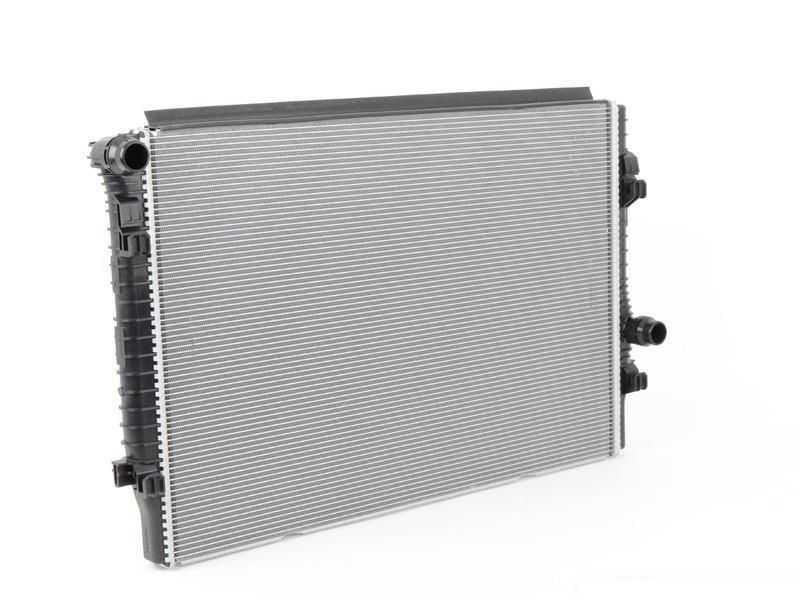 Радиатор охлаждения (автомат) STELLOX 10-26978-SX Skoda Kodiaq 2016 - 2020