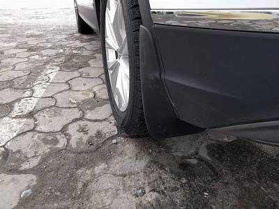 Брызговики задние (кроме R-Line) 5NA075101 для Volkswagen Tiguan 2017-