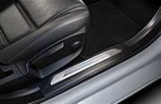 Накладки на дверные пороги с подсветкой Jaguar T4N7511 для Jaguar XE 2015 -