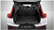 Коврик в багажник (резиновый, для автомобилей без держателей сумок) Volvo 31470992 для Volvo XC40 2018 -